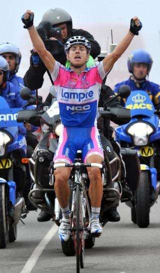 Cunego. 2009ko Vueltako 8. etapan garaipena