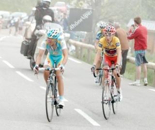 Contador eta Brajkovic Alpe d´Huez igotzen